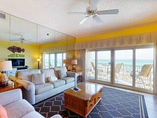 Spacious beachfront villa w/ stunning balcony views + shared pool/ hot tub!