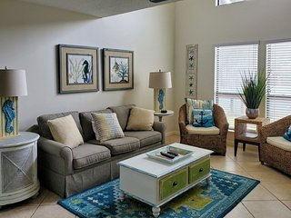 Court-side, spacious retreat w/furnished balcony, shared hot tub, pool, & tennis