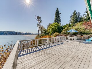 Beachfront home w/ stunning harbor/Mt. Rainier views, kayak & SUP!