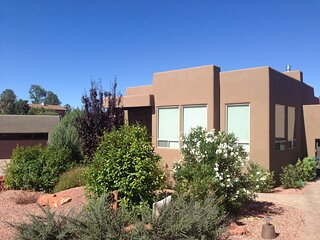 Great Location!! Beautiful Southwestern Home in West Sedona - S015