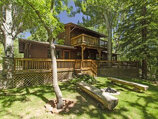 Nestled In The Pines! Cabin On The Creek! Schnebly - S110  Nestled In The Pines!