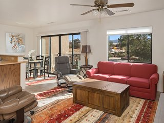 Great Location! Cute & Cozy Condo! New Furnishings! State Route 89A - S111