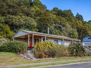 Sandy Feet Retreat - Marahau Holiday Home, Marahau