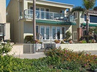 Luxury House on the sand. Close to Balboa Pier