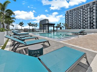 Amazing Family Escape! Two Gorgeous 2BR Units, Spa, Pool, Parking