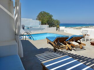 Lovers'Paradise-w/private swimming pool & Jacuzzi
