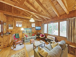 Classic Popham Cabin with Large Yard - Steps to Beach, Near State Park!