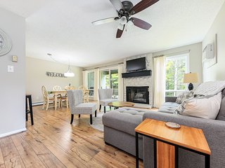 ❦ Comfy & Stylish 2 King 2BDR Golf Course Condo ❦