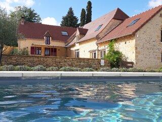 Clos Lamonzie - maison 4 chambres - piscine privée