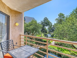 Beach condo with indoor & outdoor pools, hot tub, and gym!