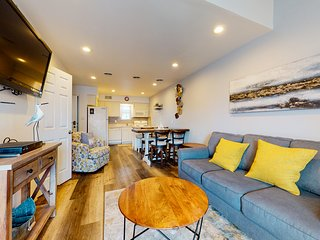 Family-friendly seaside condo w/ dock, free WiFi, and shared pool!