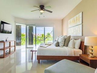 Ocean View  Apartment Beach Accesible 2 bedroom 2 bath  sleeps 7 Casa Quetzal