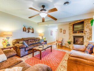 Quaint retreat w/ firepit, fully equipped kitchen, & easy access to trails!