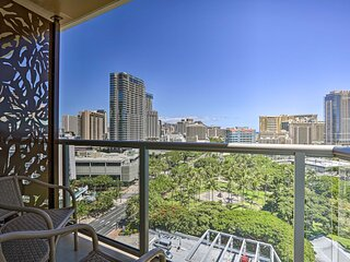 NEW! Waikiki Oceanview Gem <1/2Mi to Parks + Beaches