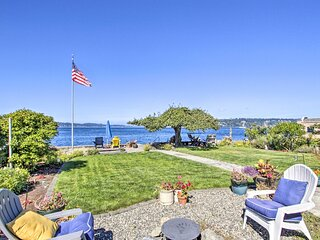 NEW! Waterfront Escape w/ Deck & Puget Sound Views