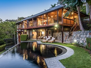 Iluka Luxury House With Ocean Views On Half Acre With Pool And Two Golf Buggies