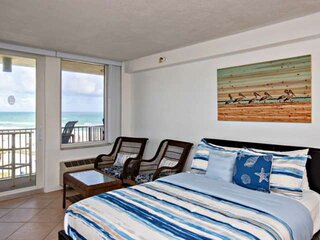 NEW LISTING! Views Ocean & City! Walking distance 2 Main St. Pier, Band Shell, R