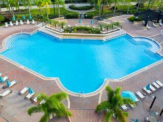 Magnificent 2 Bedroom Apartment Vista Cay Resort 107