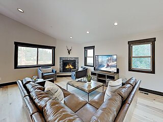 Luxe New-Build Home | Tahoe Donner Amenities | Furnished Deck with Big Views!