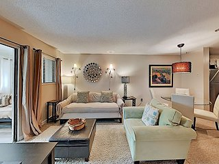 Peace n Paradise | Updated Poolside Condo | Tennis & Gym, Steps to Beach