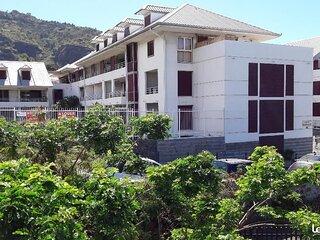 T2 Grande terrasse vue Jardin prox C-Ville et Front de Mer, accès plages Ouest