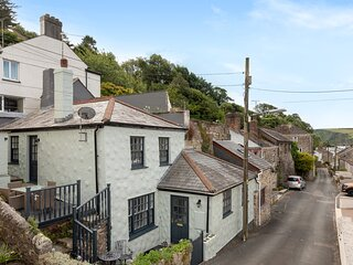 Modern 2 Bed Cottage in Seaside village Pentewan