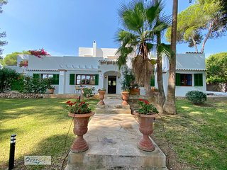 Wonderful 5 Bed Villa With Private Pool In Cala D'Or Centre 5 Mins Walk to Beach