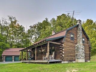 Hancock Log Cabin Retreat: 2 Miles to Jiminy Peak!