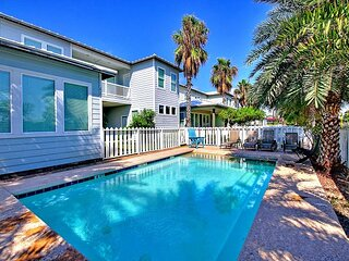 Beautiful home with a private pool, steps to the beach and sleeps 24!