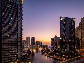 Ornate 1BR  w/ Breathtaking Marina Views!