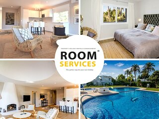 AS12 - Modern Holiday Apartment in Aloha, Marbella