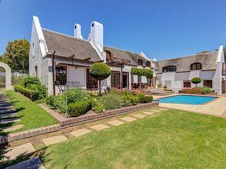 The Thatched House - Spectacular 4 bedroom house