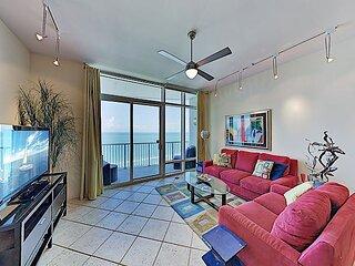 Luxury Sapphire Condo | Epic Gulf Views | Hot Tub, Gym, 2 Pools & Spa