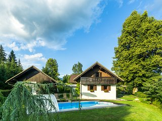 Holiday House with Pool in Nature, Pr Matažič