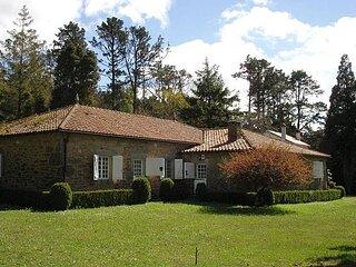 XIX century villa with horreo.