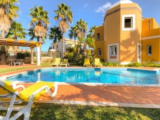 Villa Alegria - 4 Bedrooms Villa near Albufeira