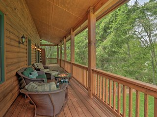 NEW! Quiet Forest Hideaway w/ Deck & Near Hiking!