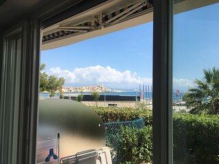 Studio de luxe, with fantastic sea view, at beach