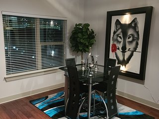 Upscale Apartment Home Near D.F.W Airport