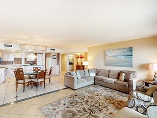 Great Beachfront Condo, Shared Pool & Tennis Courts, Quick Drive To Dining