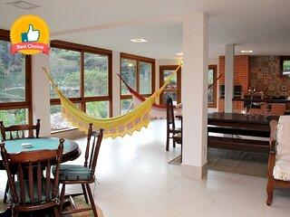 Pineapples: (Casa com Área Gourmet e diarista)