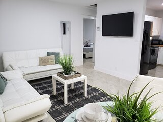 2 BR+1 Bath | Excellent Location ➸ Near FLL BEACH, Las Olas,Shopping & Nightlife