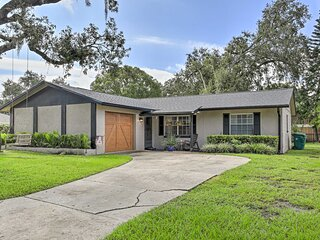 NEW! Family Home w/ Porch + Yard: 16 Mi to Disney!