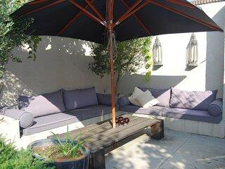 Villa Bumblee ligt midden in het pittoreske stadje Noordwijk-Binnen