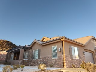 Coral Ridge Cottage- 2 Pools and Spas- Near Zion NP