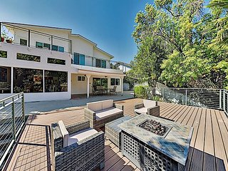 Luxe Home on Lake Lindero with Large Deck & Country Club Golf - Near LA Fun!