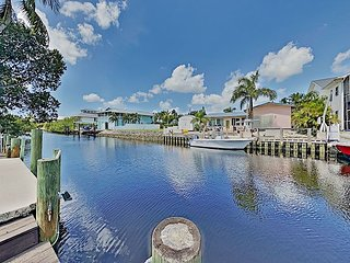 Elegant All-Suite Boater's Paradise with Private Dock - Near the Beach