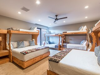 761 - Full Downstairs (King Suite with Lounge and Bunkroom)