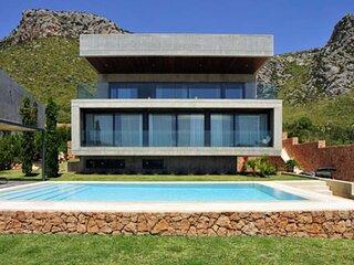 Villa Brad