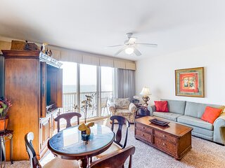 Stunning Calypso condo with private balcony and view of the Gulf